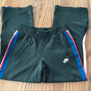 Nike Women's Wide Split Leg Active Pants Size M